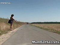 Steamy mum getting her unshaved muf hammered outdoor