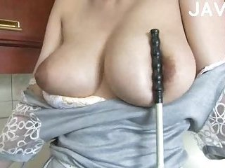 Big breasted girl gets teased | Big Boobs Update