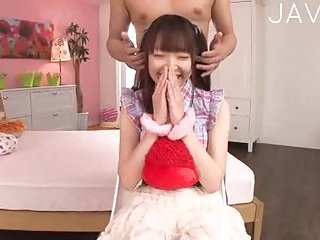 Jap teenie gets her snatch toyed