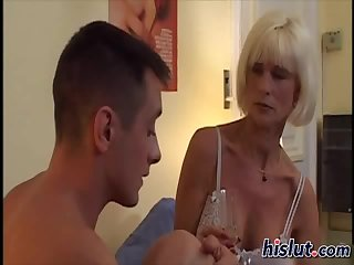 This blonde gets laid
