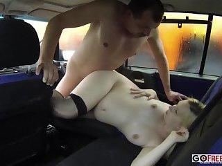 Czech bitch fucks in a taxi