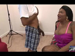 Ebony shemale gets a good bj